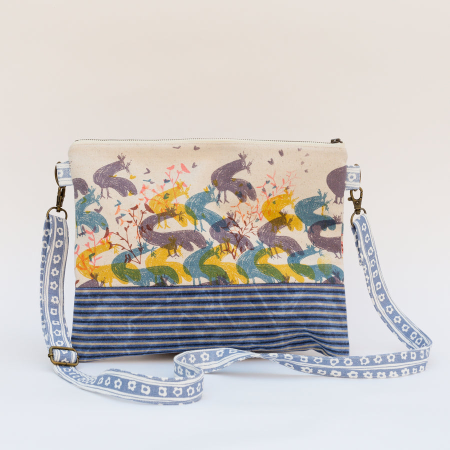 Meg Crossbody in Chicken