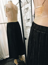 Load image into Gallery viewer, Gaucho fine stripe pant