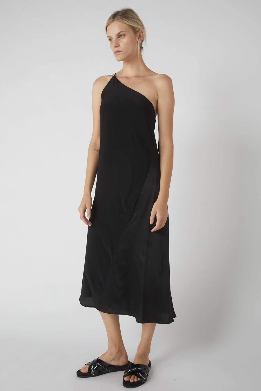 Duo One-Symmetrical Dress / Black