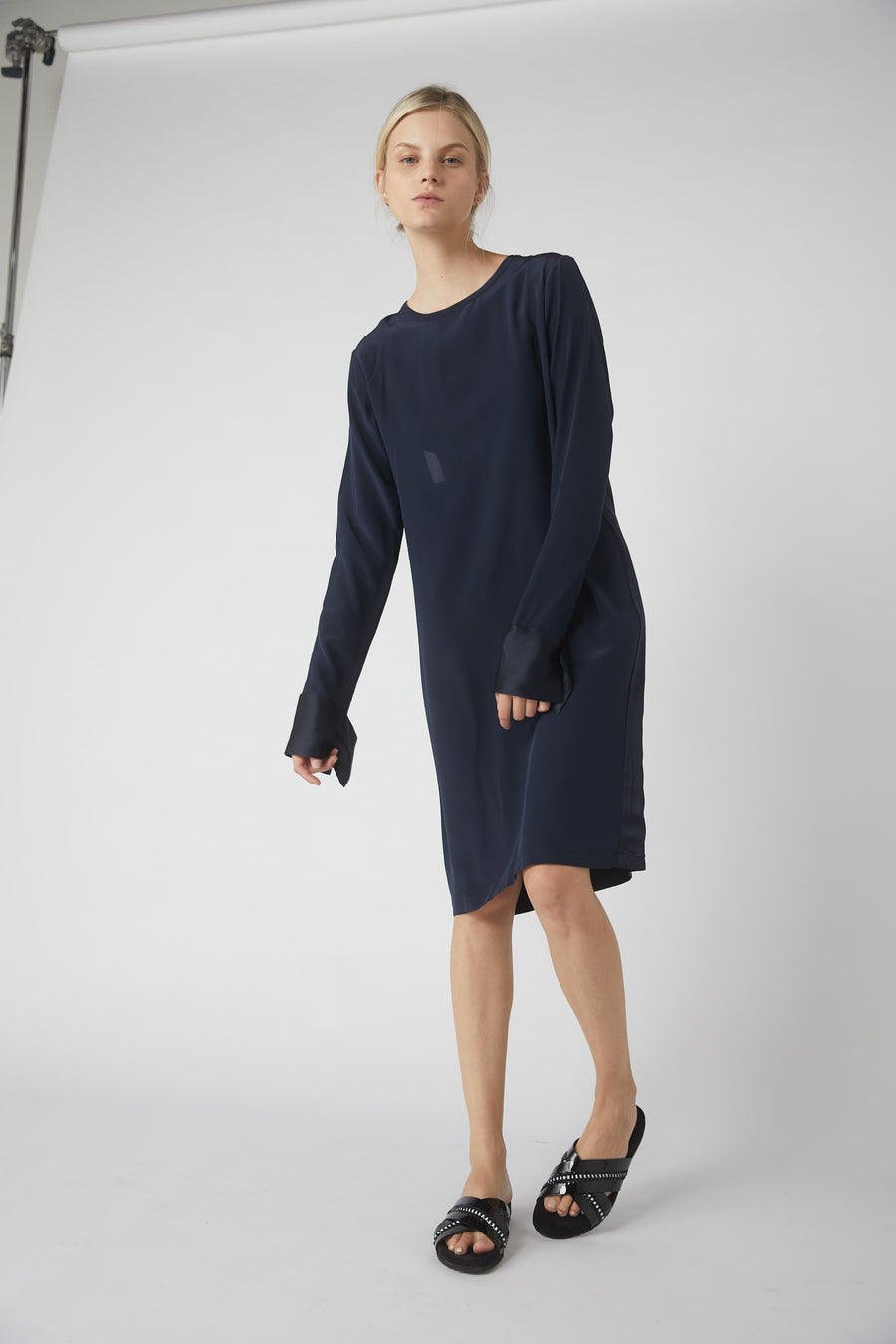 Petite Duo Collapse Back Midi Dress / Ink
