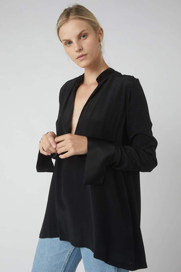 Tapered Deep V Long Sleeve Blouse / Black