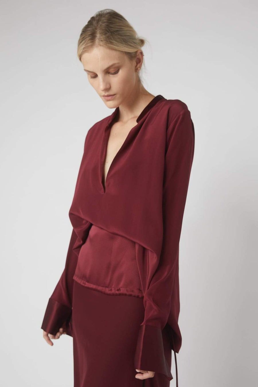 Tapered Deep V Long Sleeve Blouse / Merlot