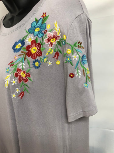 Floral Detailed Basic Tee