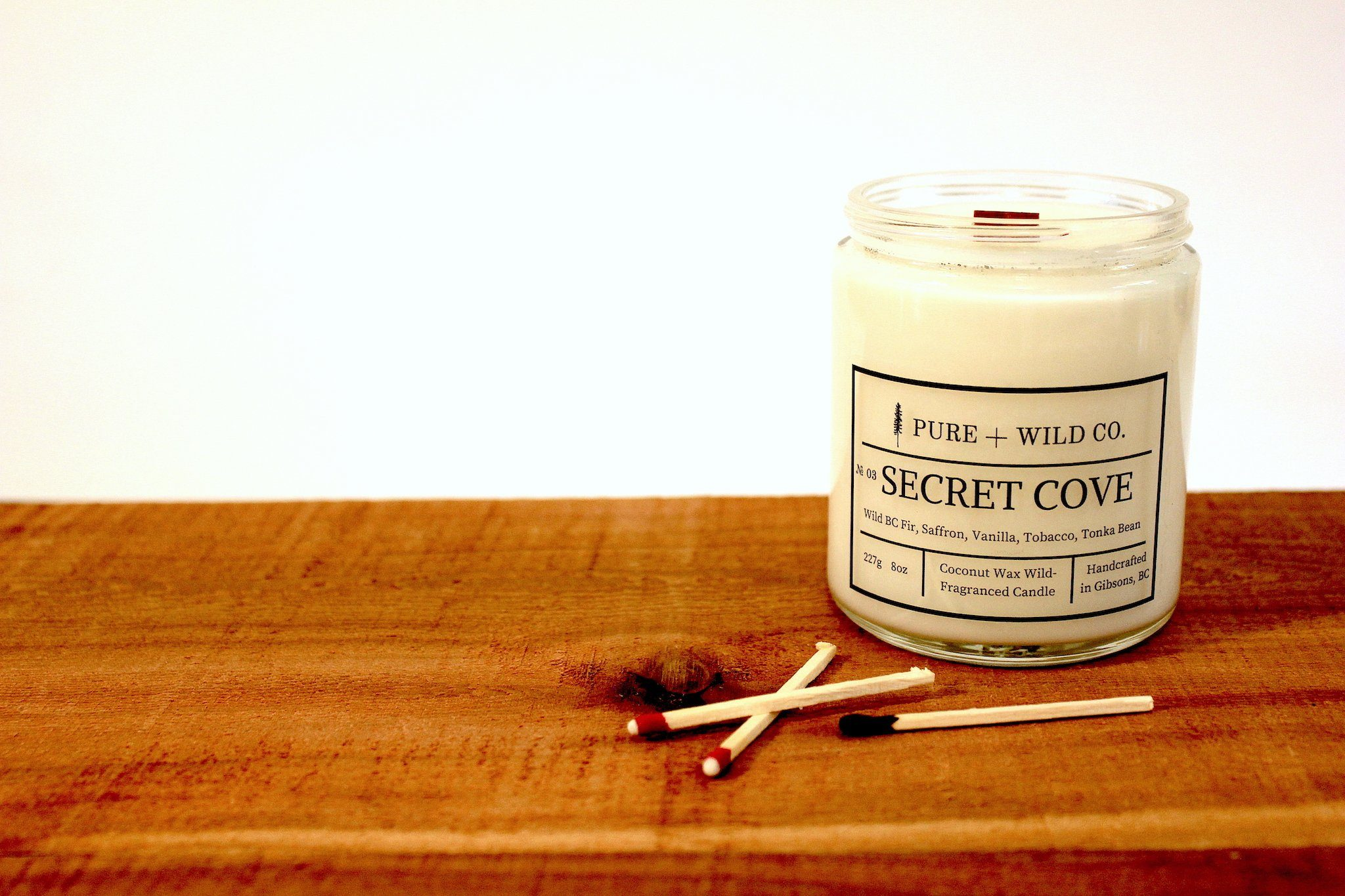 № 03 SECRET COVE - Fir, Saffron, Vanilla, Tobacco, Tonka Bean PURE + WILD CO. Wood Wick