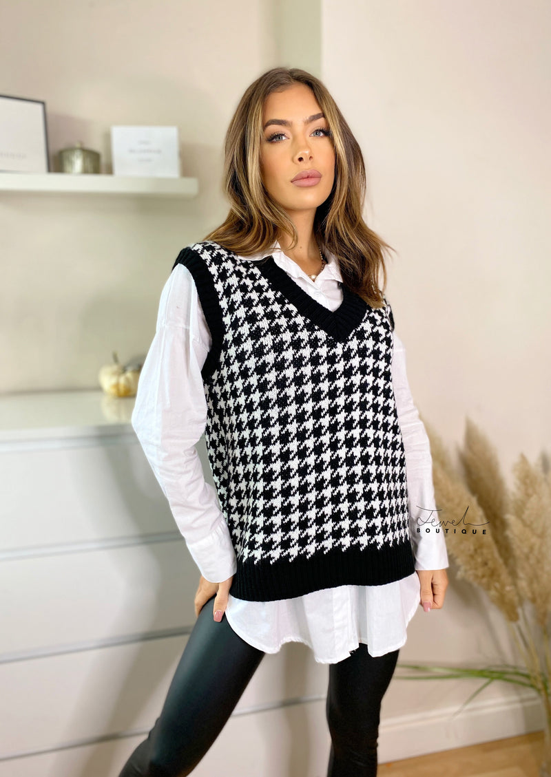 Women's black dogtooth knitted vest