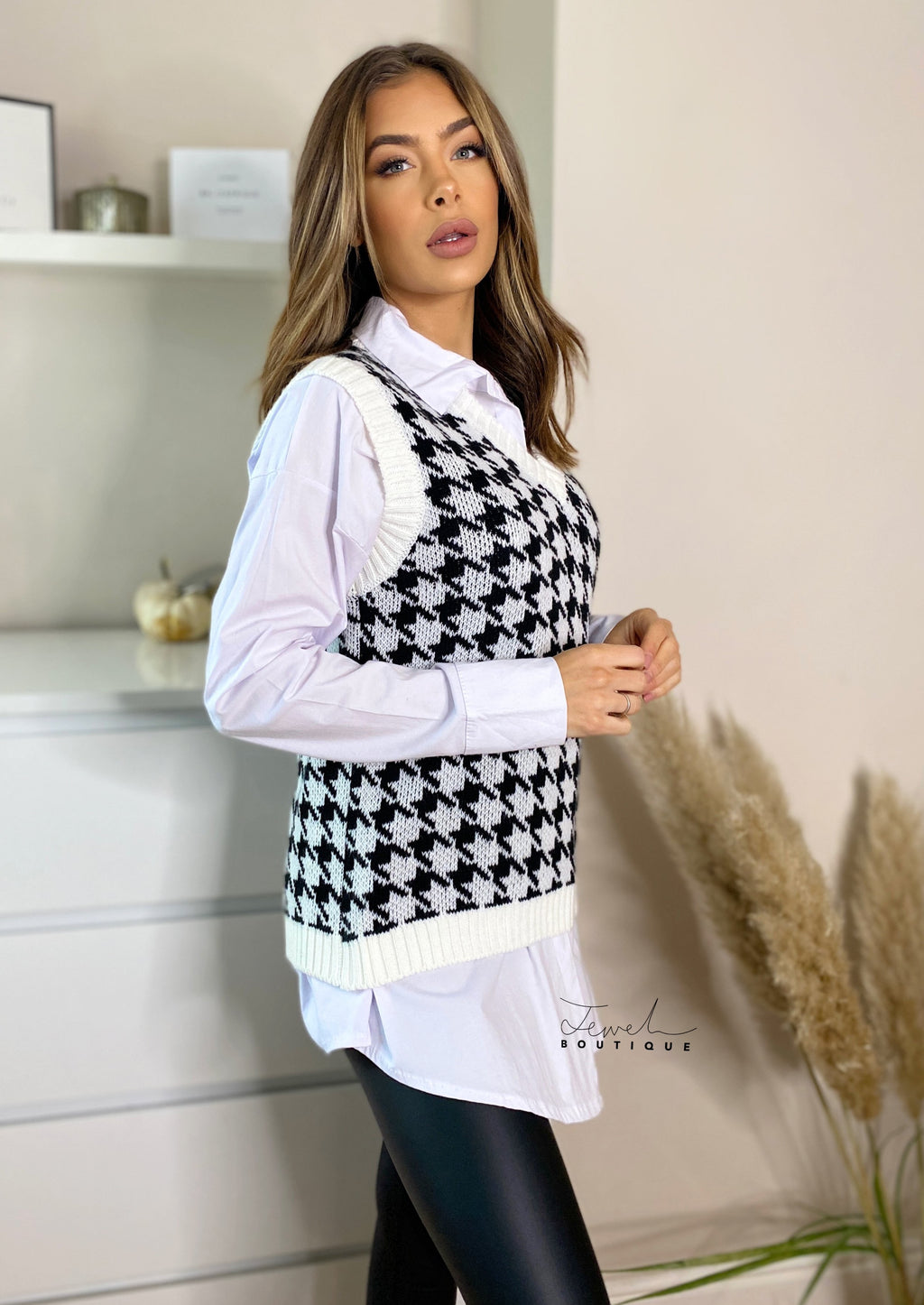 Women's white houndstooth knit vest and shirt set