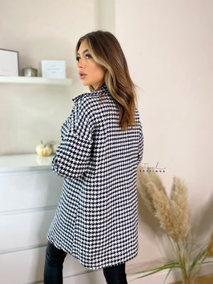 Women's stylish black and white dogtooth shacket / overshirt