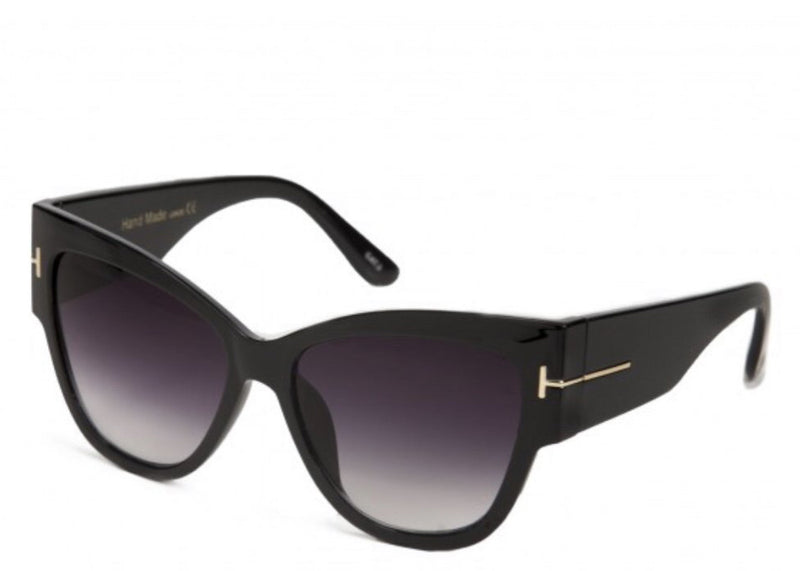 Women's stylish black chic oversized sunglasses