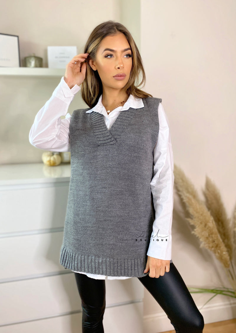Women's sleeveless grey knitted vest