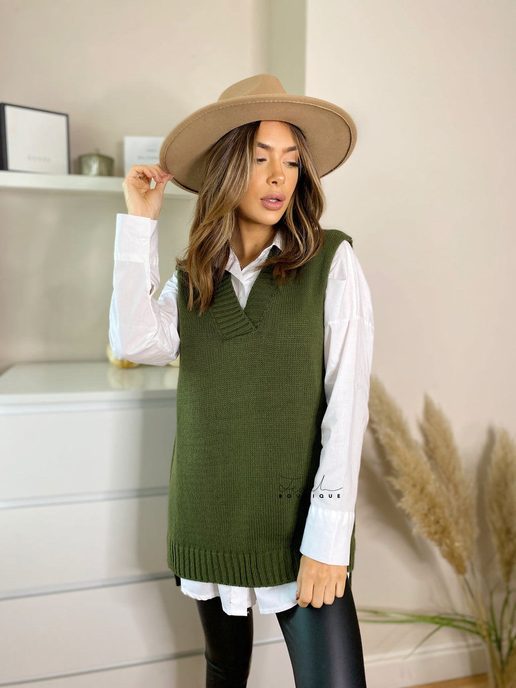 Women's sleeveless khaki knitted vest