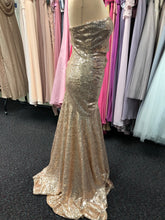 Load image into Gallery viewer, Prom and Evening Wear 2020 - Dress 5