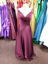 Load image into Gallery viewer, Prom and Evening Wear 2020 - Dress 91