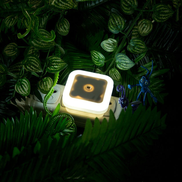 Coupcou.com: US Mini LED 0.5W Night Light Control Auto Sensor Baby Bedroom Lamp Square AC110-220V LED Night Light For Baby