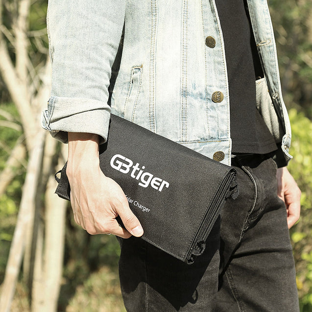 Coupcou.com: GBtiger 40W Dual Outputs Sunpower Solar Charger Panel Power Bank Folding Charging Bag