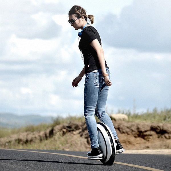 Coupcou.com: Ninebot C + Classic 16 inch Inner Single Wheel Electric Balance Unicycle with CN Plug / 4.1Ah Battery