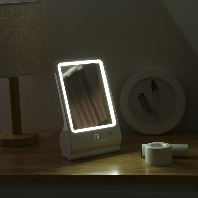 Coupcou.com: Gustala WY - D001 Portable LED Cosmetic Makeup Mirror with Mist Sprayer