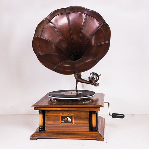 Gramophone With Antique Pillar