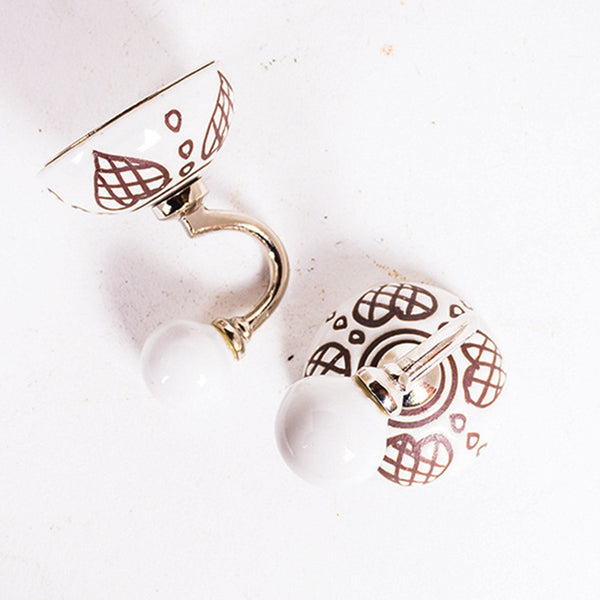 Round Hook White and Brown Heart
