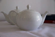 Load image into Gallery viewer, Arctic White Teapot