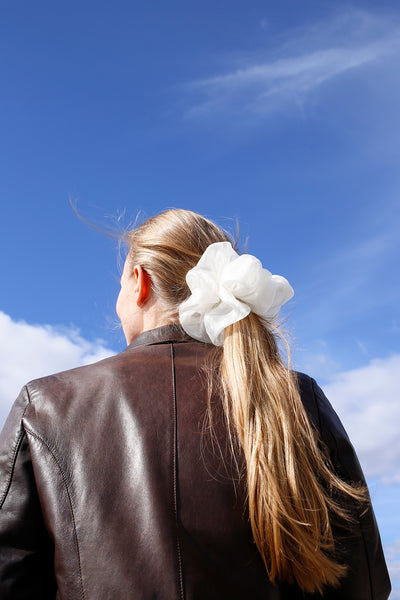 Cloud scrunchie, ivory