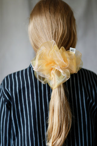 Cloud scrunchie, honey
