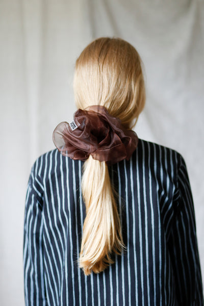 Cloud scrunchie, chocolate brown