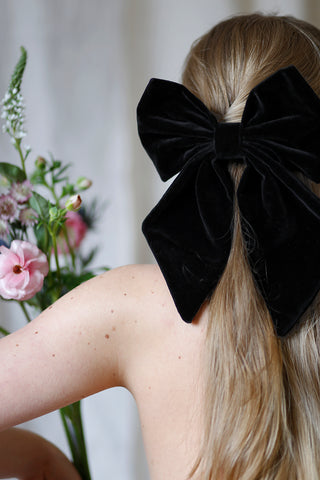 Velvet hair bow, black