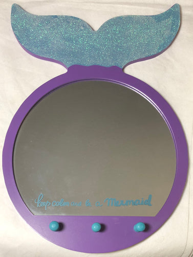 🧜‍♀️ Mermaid Mirror With 3 Hooks