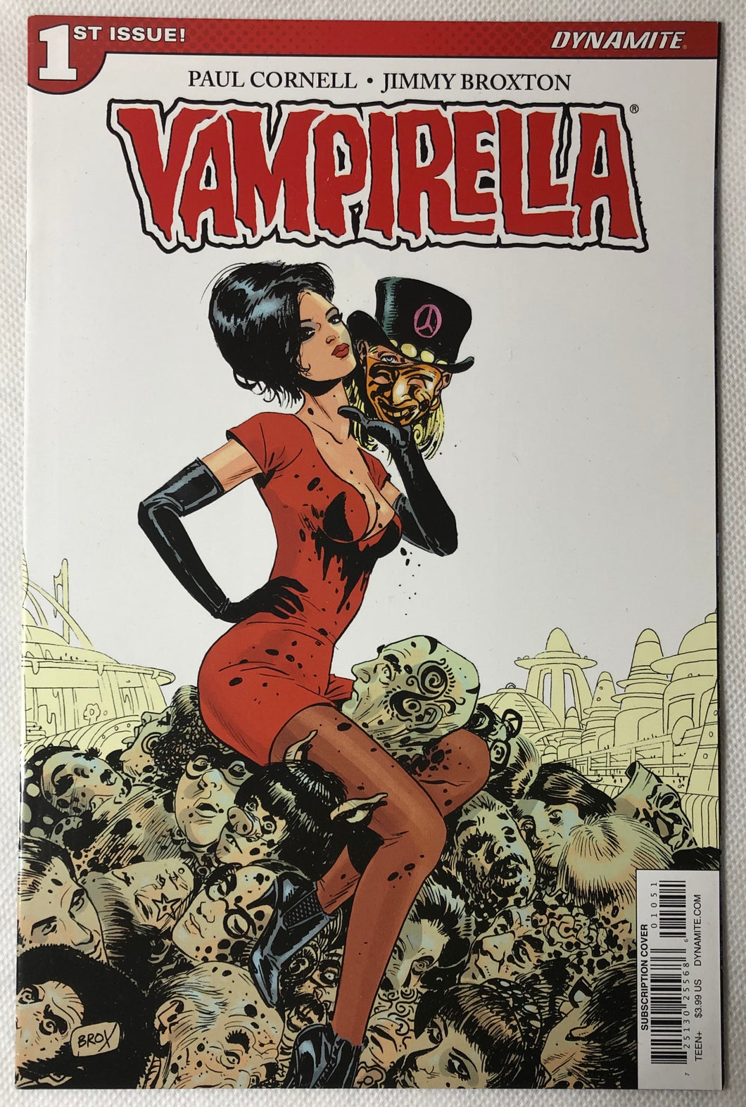 🧛🏻‍♀️ Vampirella #1 Subscription Variant - Demize Collectibles LTD