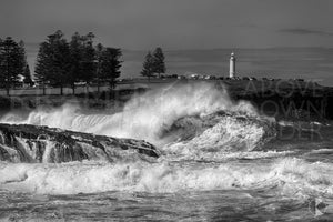 "Lighthouse Waves, Kiama - 20x30"" Canvas"