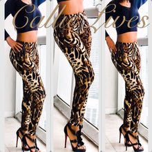 Load image into Gallery viewer, Cheetah Plus Size Mommy & Me Matching Leggings