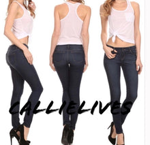 Load image into Gallery viewer, Callie Extreme: Stretch Med wash Slim Skinny Jean