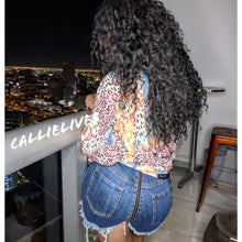 Load image into Gallery viewer, Callie Zip My Rear: Distressed Frayed Jean Shorts (PLUS)