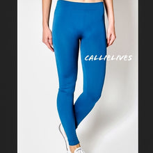 Load image into Gallery viewer, SEAMLESS Teal Blue WorkOut LEGGINGS (PLUS) - callielives