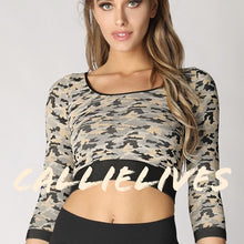 Load image into Gallery viewer, Callie Amazing Timber: Seamless 3/4 Sleeve Crop Top OS