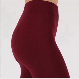 Callie Fleece: SEAMLESS Burgundy WorkOut LEGGINGS