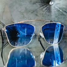 Load image into Gallery viewer, Miz Blue Silver Frame Clear Tinted Ombré Lens