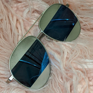 Stasia Code Blu: Silver Mirror Panel Shades, Accessories, CallieLives