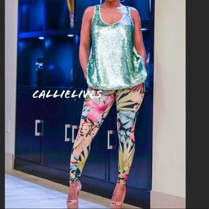 CALLIE: Hawaii Silky Sexy Lady Graphic leggings
