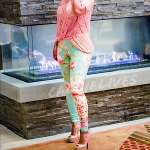 Callie: Minty Green Floral Graphic Print leggings - callielives