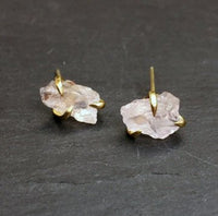 Bohemia Pair of Claw Earrings in Rosequartz