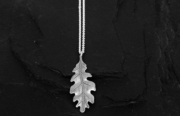 Bohemia Oakleaf Necklace in Silver Pleated Brass