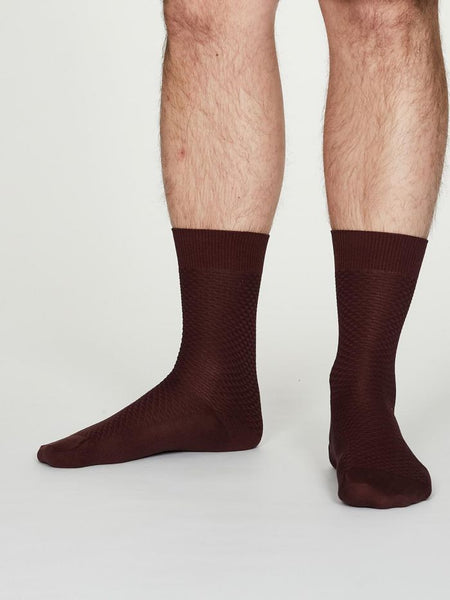 Thought Geoffrey Organic Cotton Suit Socks in Burgundy - unisex