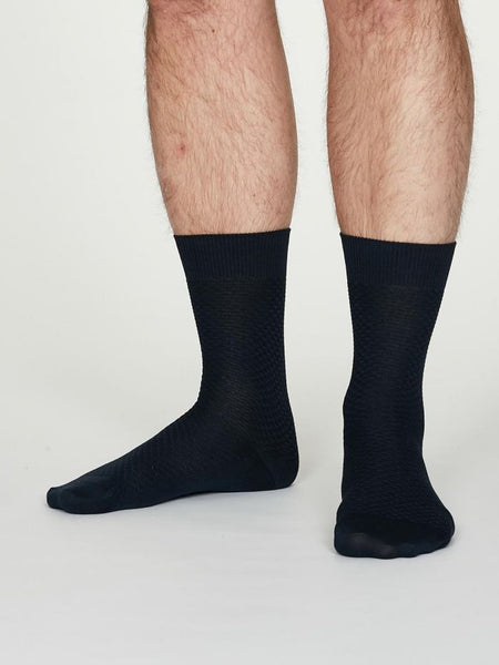 Thought Geoffrey Organic Cotton Suit Socks in Navy - Herr