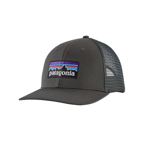 Patagonia P-6 LOGO Trucker Hat (mid crown) - Forge Grey
