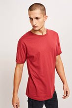 Load image into Gallery viewer, Samsøe & Samsøe Alexander o-n Shortsleeve tee - Brick Red