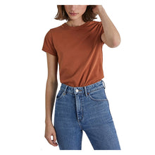 Load image into Gallery viewer, NEUW W's Slim tee - Cognac