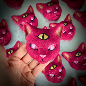 Load image into Gallery viewer, Cleocatra Bath Bomb