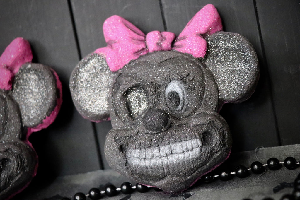 Mangled Minnie Bath Bomb