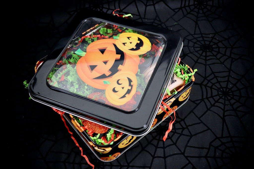 Light Pumpkin Tin